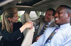Carpooling ORGANIZZATO: tre persone che condividono il viaggio ma che prima non si conoscevano personalmente