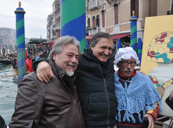 Foto n. 2:  sindaco Brugnaro e delegato Giusto
