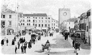 Piazza Ferretto e la Torre dell'orologio
