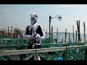Foto maschera in occasione del carnevale (141.51 KB)