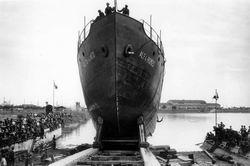 Porto Marghera, cantiere Breda, nave pronta per il varo, 1932. Reale Fotografia Giacomelli Comune di Venezia