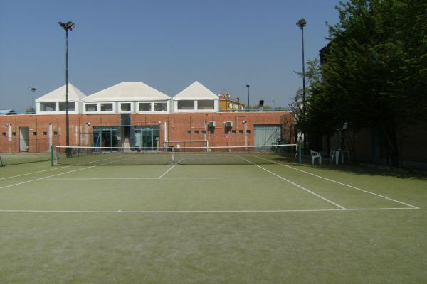 panoramica tennis e struttura spogliatoi