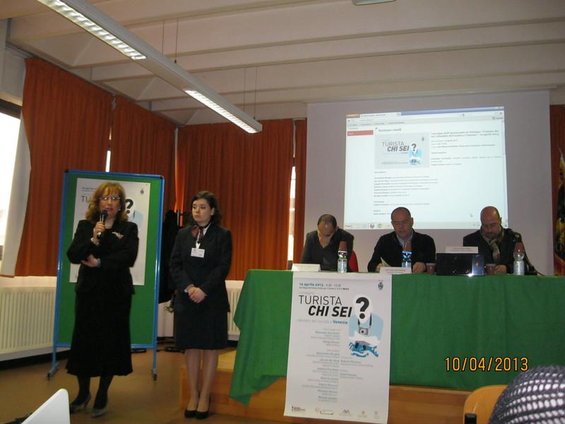 saluti di apertura della dirigente scolastica, Emanuela Cecchettin,