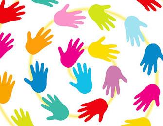 varie mani colorate messe in circolo
