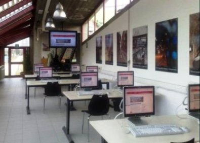 le postazioni del laboratorio di informatica