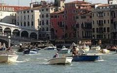 Mobilità Acquea - Barche in Canal Grande