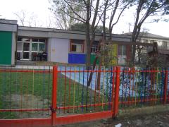 """esterno dell'asilo nido """"Cappuccetto Rosso"""""""