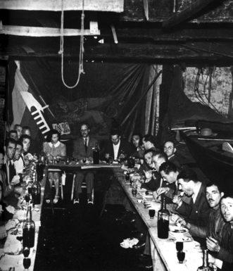 """Regata 1942: il """"disnar"""" di guerra si tiene presso lo squero di Ognissanti"""