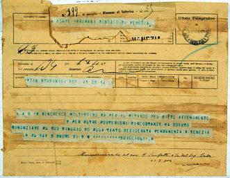 """1904 Il telegramma con cui si annuncia, da Palazzo reale, che il Re non verrà a Venezia per la Regata """"per il ritardo del lieto avvenimento..."""", la nascita del futuro re Umberto II"""