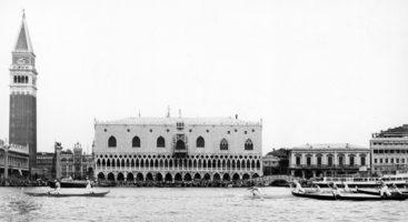 """1971 I campioni passano davanti a piazza San Marco: è già netta la superiorità di """"Bepi"""" e """"Ciaci"""" nei confronti di tutti gli altri rivali"""