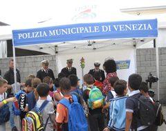 stand della polizia muncipale