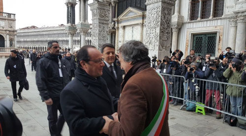 Vertice bilaterale Italia - Francia, il sindaco Brugnaro accoglie i presidenti Renzi e Hollande
