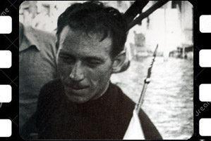 """Luigi Seno """"Bota"""" con la bandiera del secondo posto negli anni '50"""
