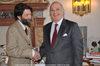 14.12.2009 - Consegna medaglia a M. Cacciari dall' Ambasciatore Colombiano