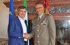25.08.2015 - Il Sindaco Luigi Brugnaro riceve il Comandante del Presidio Militare di Venezia Col. Antonio Mirarco