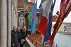 08.04.2013 - La bandiera Rom a Ca' Farsetti nel giorno internazionale del popolo Rom