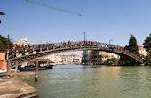 Una veduta del ponte